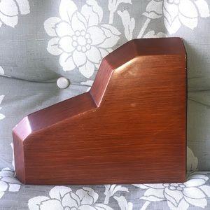 small heart-shaped shelf